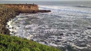A picture of the ocean seen from West Cliff Drive in Santa Cruz